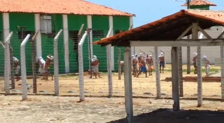 Detentos fazem rebelião e destroem celas e grades na penitenciária de Floriano