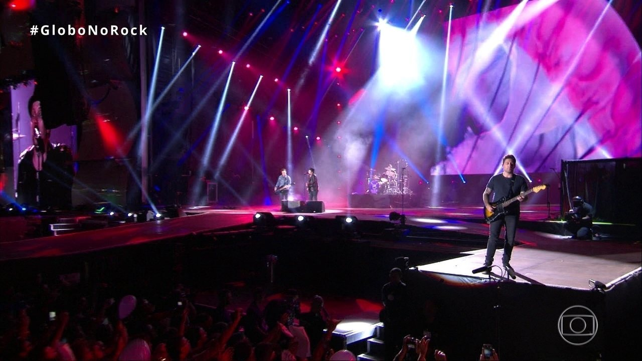 Fall Out Boy canta 'Phoenix' no Rock in Rio