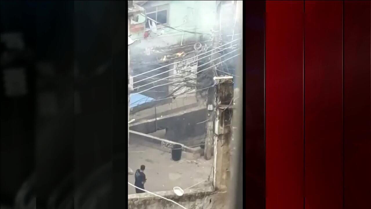 Vídeo mostra bandidos armados e intenso tiroteio na Rocinha (RJ)