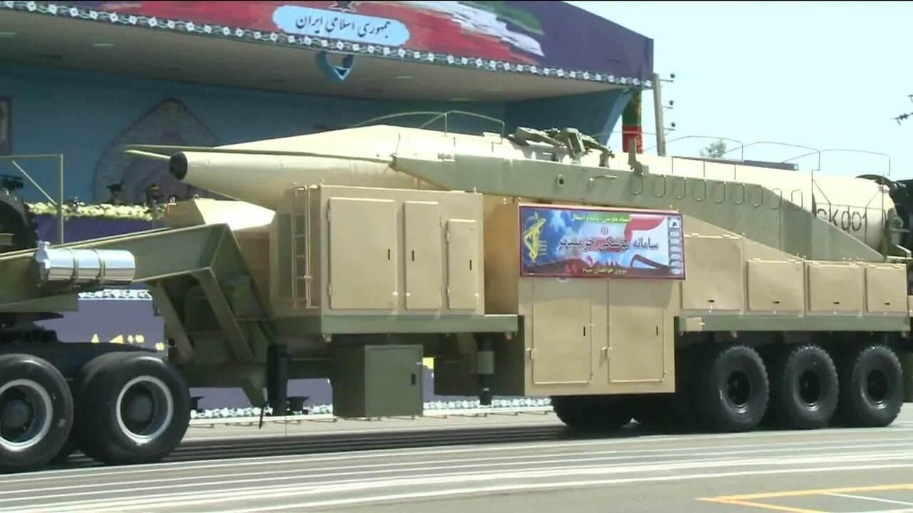 Irã teste com sucesso novo míssil balístico depois de crítica de Donald Trump