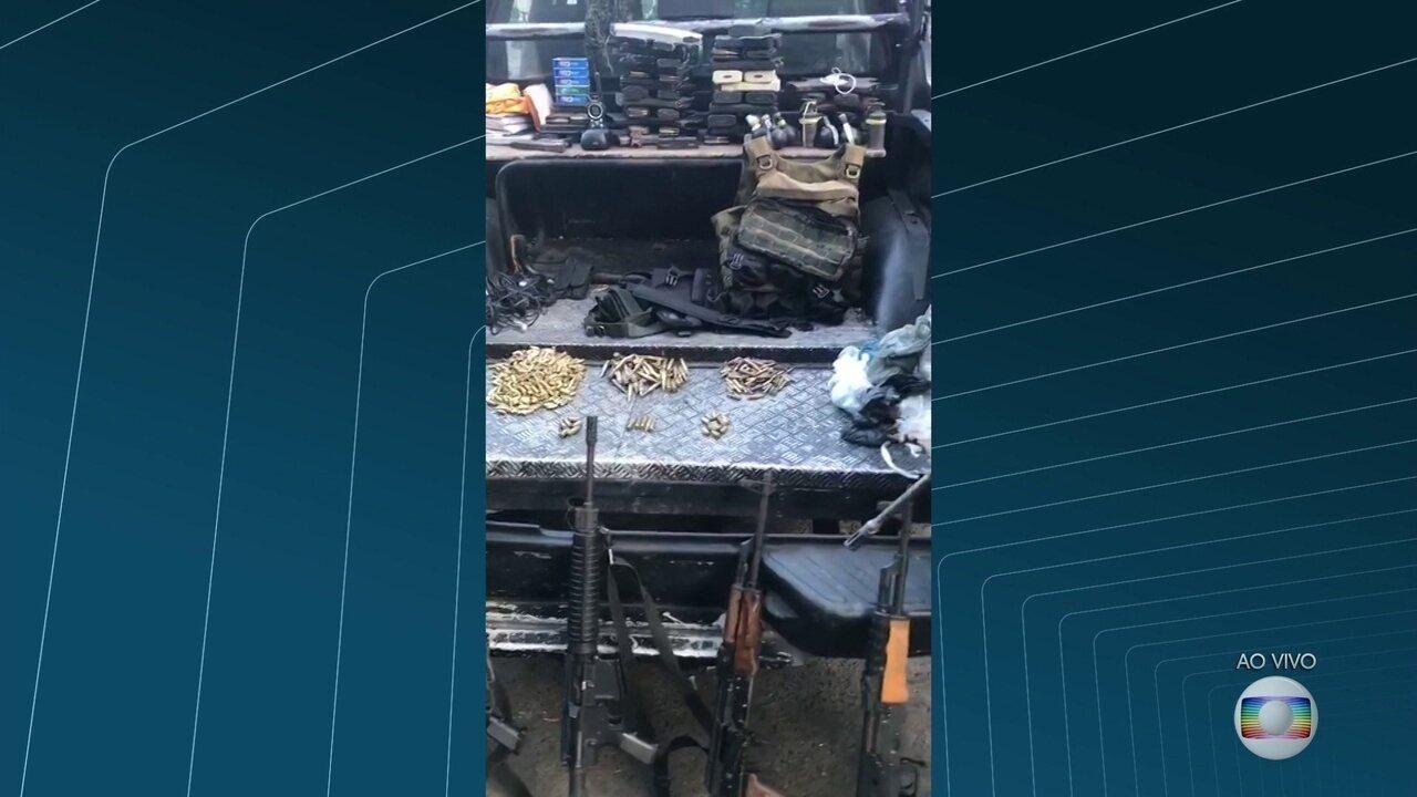 Policiais militares apreendem 5 granadas e 5 fuzis na Rocinha