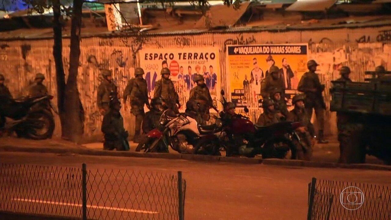 950 homens das Forças Armadas ajudam as polícias no cerco à Rocinha