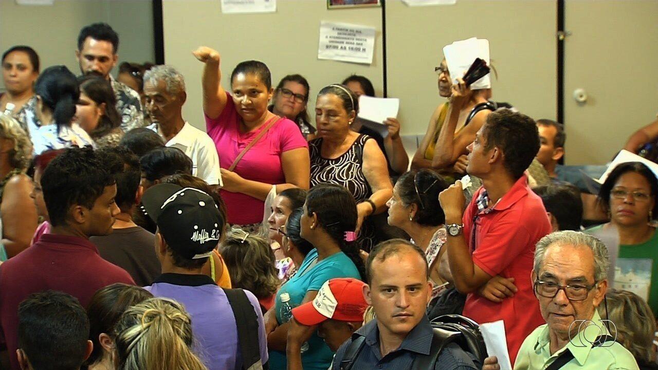 Pacientes enfrentam tumulto e desinformação para marcar consultas na Central de Regulação