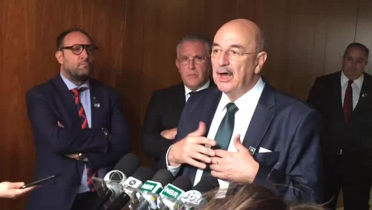 """Ministro Osmar Terra fala sobre programa Progredir, """"porta de saída"""" do Bolsa Família"""