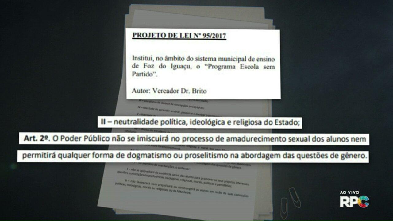 """Projeto de Lei na Câmara de Vereadores prevê implantação do programa """"Escola sem Partido"""" em Foz do Iguaçu"""