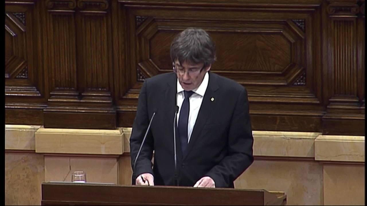 Líder da Catalunha diz que região tem o direito de ser independente, mas propõe diálogo