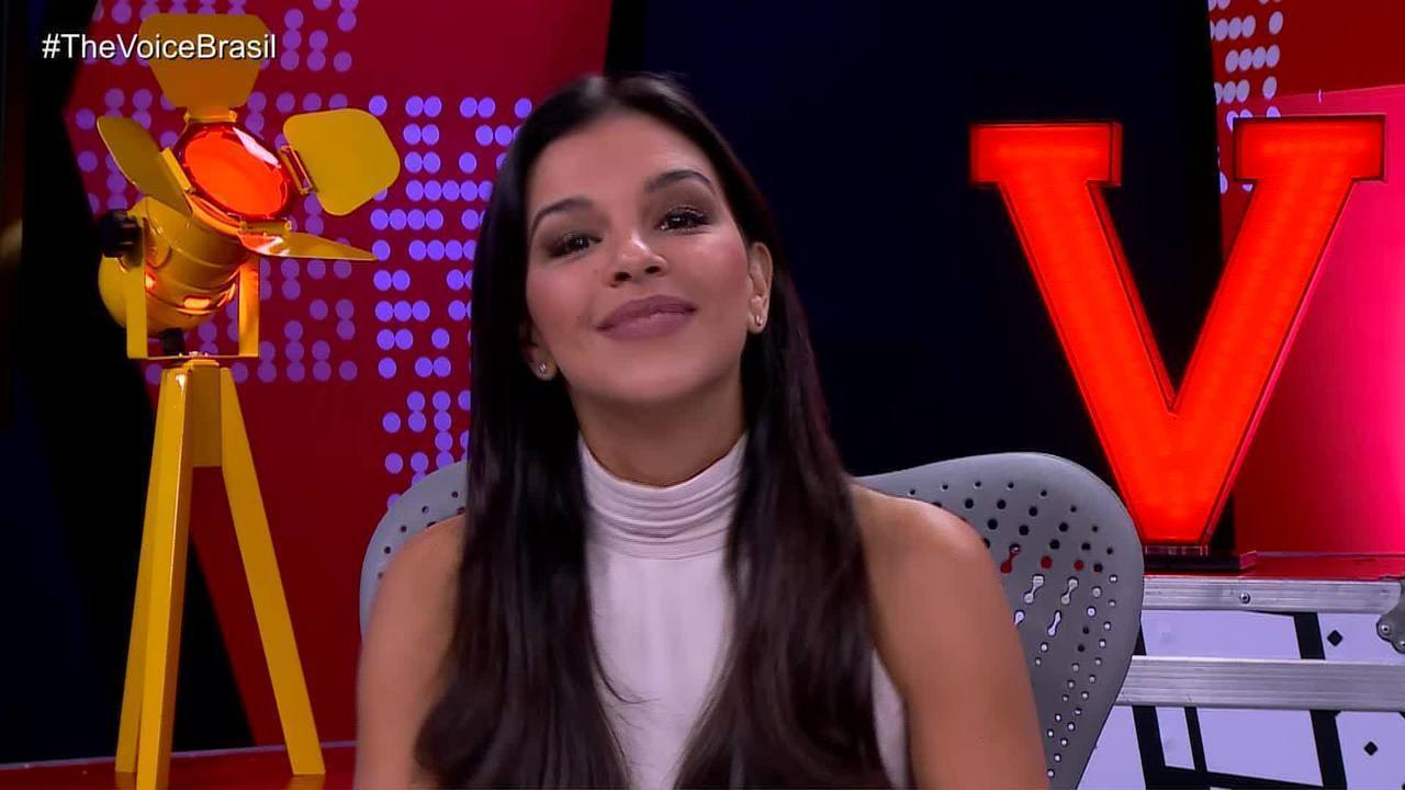 Mariana Rios apresenta o 'The Voice Brasil Live'