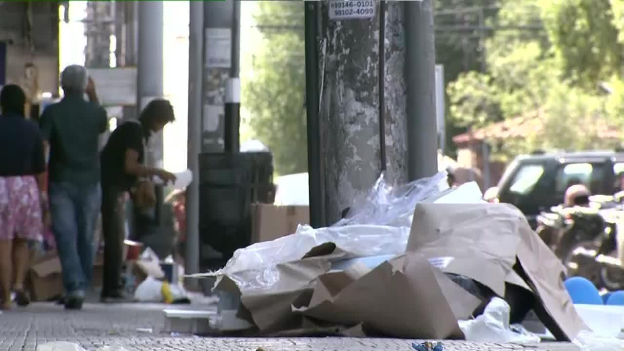 Lixo se acumula nas ruas de Boa Vista após lixão ser fechado