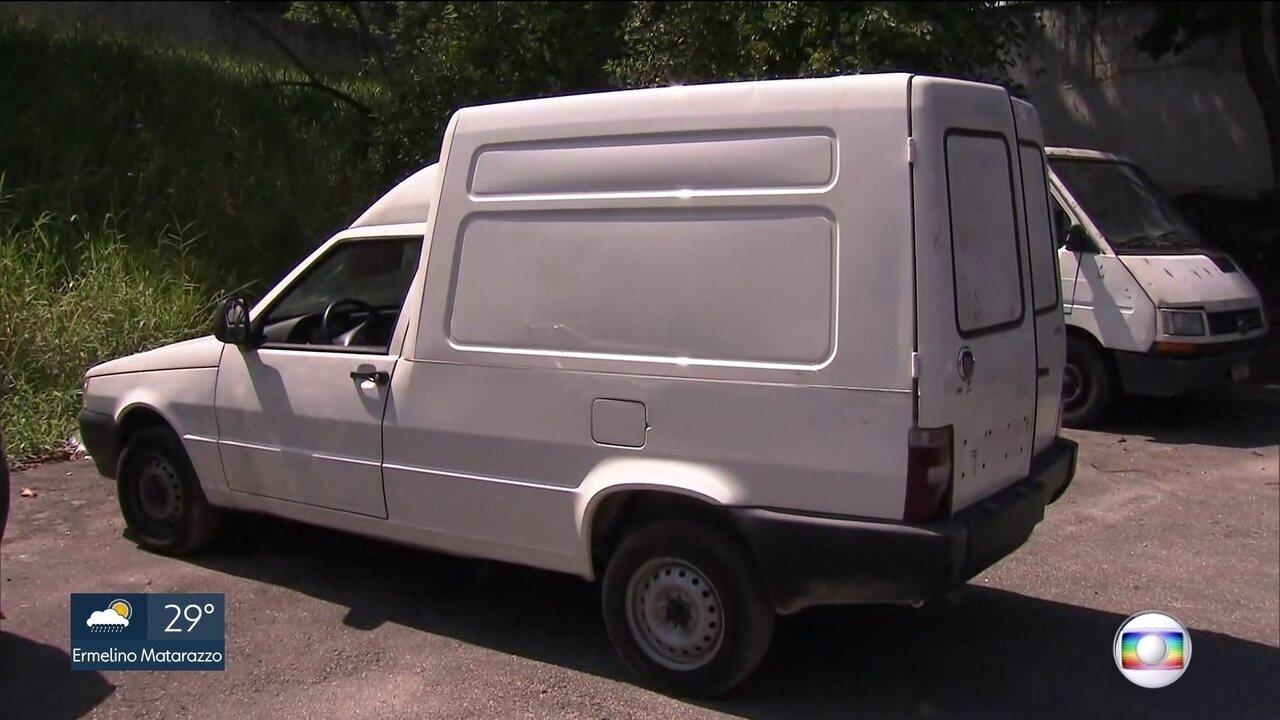Polícia investiga carro encontrado com duas crianças mortas na Zona Leste da capital