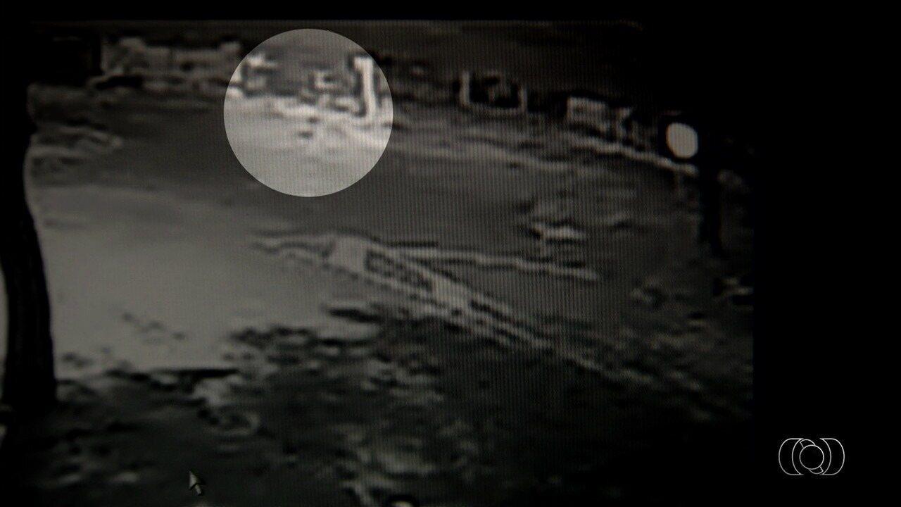 Idoso é esfaqueado e morto ao sair de casa para fazer caminhada, em Goiânia