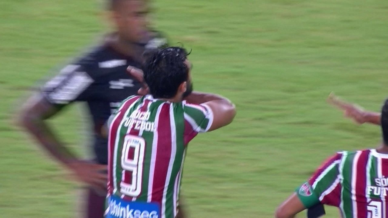 Gol do Fluminense! Henrique Dourado cobra pênalti e abre o placar, aos 22 do 1º
