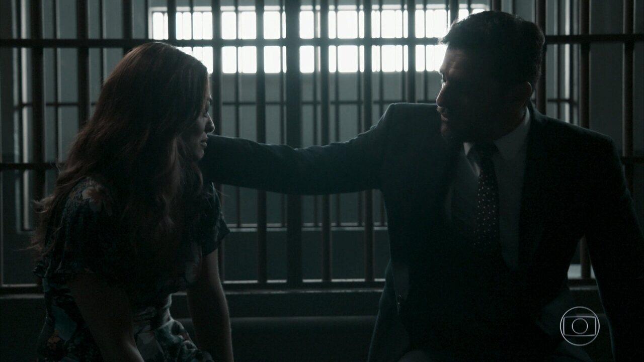 Bibi é presa e pede perdão a Caio