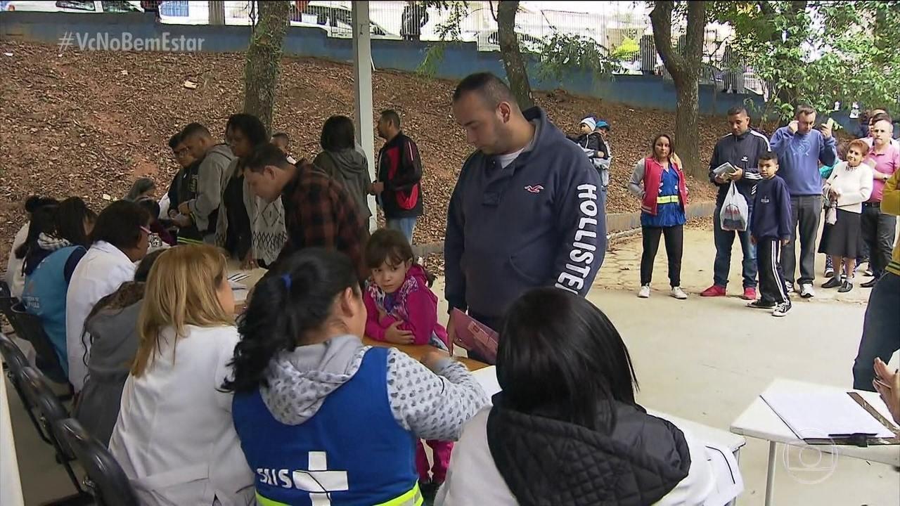 Moradores de SP enfrentam filas nas unidades básicas para vacinação contra a febre amarela