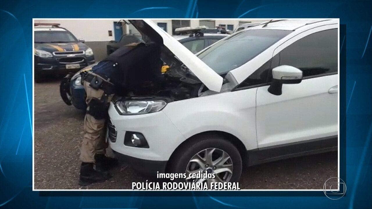 Homem é preso suspeito de dirigir carro clonado em Florestal, na Grande BH