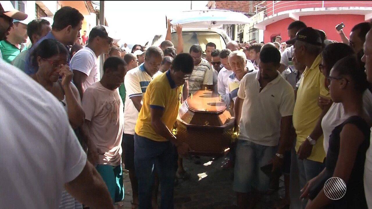 Corpo de pastor morto no entroncamento de Ibirapitanga é enterrado sob forte comoção
