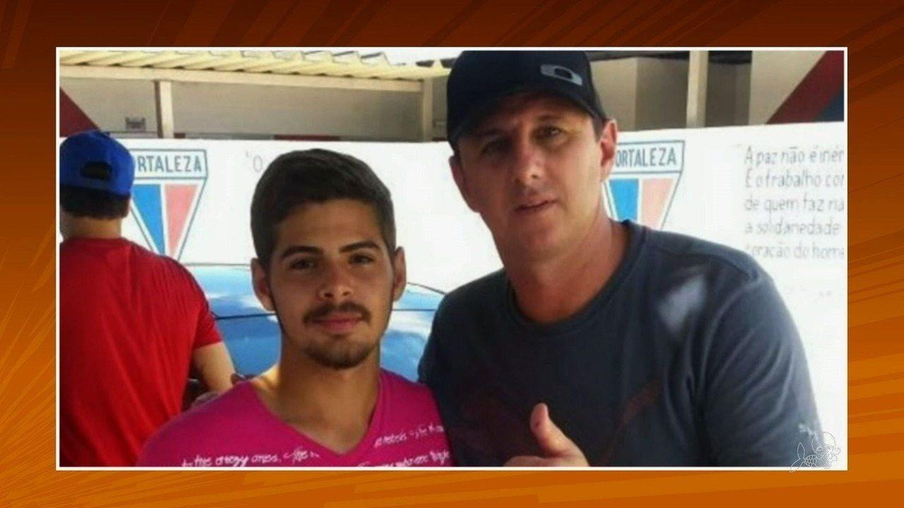 Amigo de Bosco, Rogério Ceni visita sede do Fortaleza