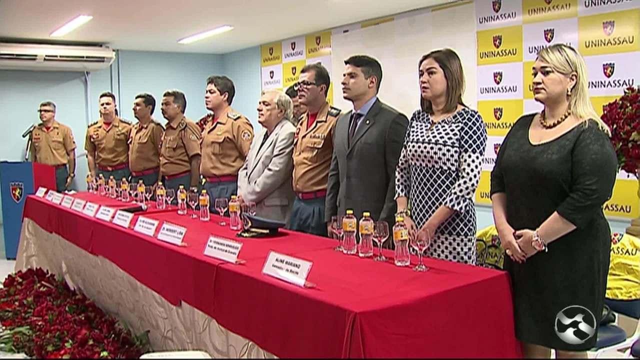 TV Asa Branca recebe homenagem do Corpo de Bombeiros em Caruaru