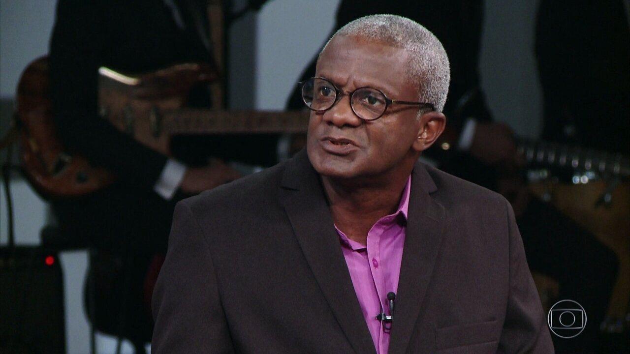 Osmair Camargo fala sobre a relação entre seu trabalho como coveiro e a filosofia