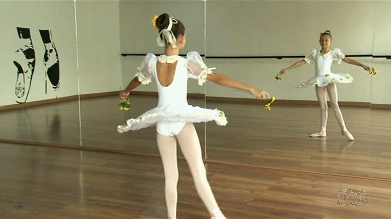 db2982fe66 Bailarina goiana de 10 anos é aprovada em seletiva para estudar dança no  Bolshoi