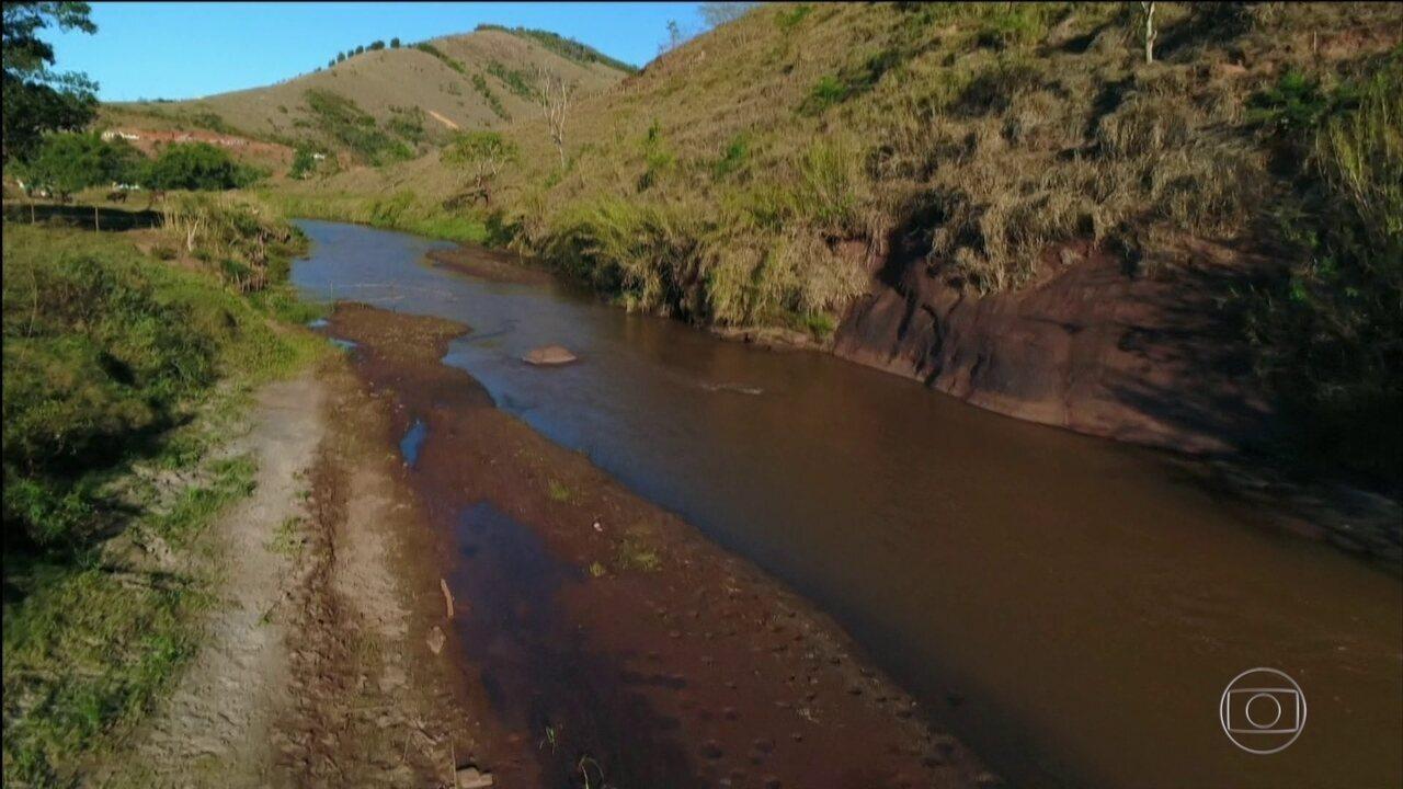 Tragedia Em Suzano Hoje Pinterest: Lama Afeta Rio Doce E Moradores Dois Anos
