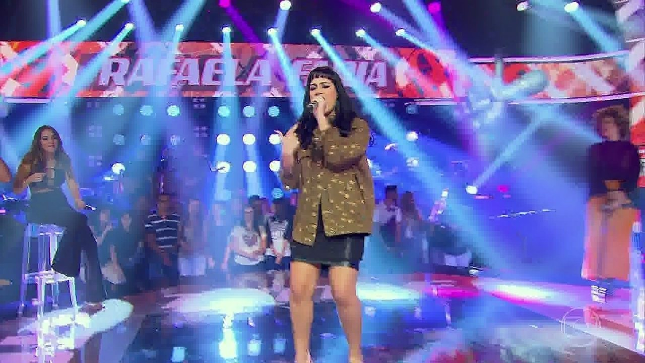 Rafaela Faria cantou 'K.O.'