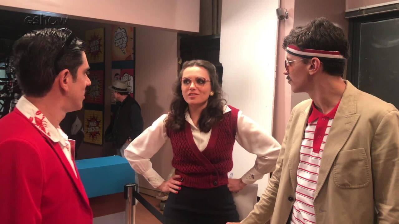 Mônica Iozzi treina seu sotaque carioca nos bastidores do Adnight Show!