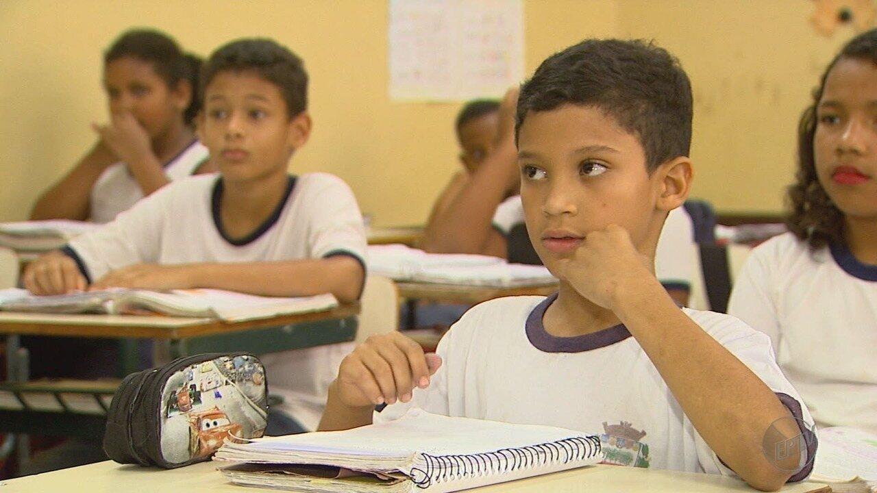 Pela inclusão social, estudantes formam coral de surdos em Jaboticabal, SP