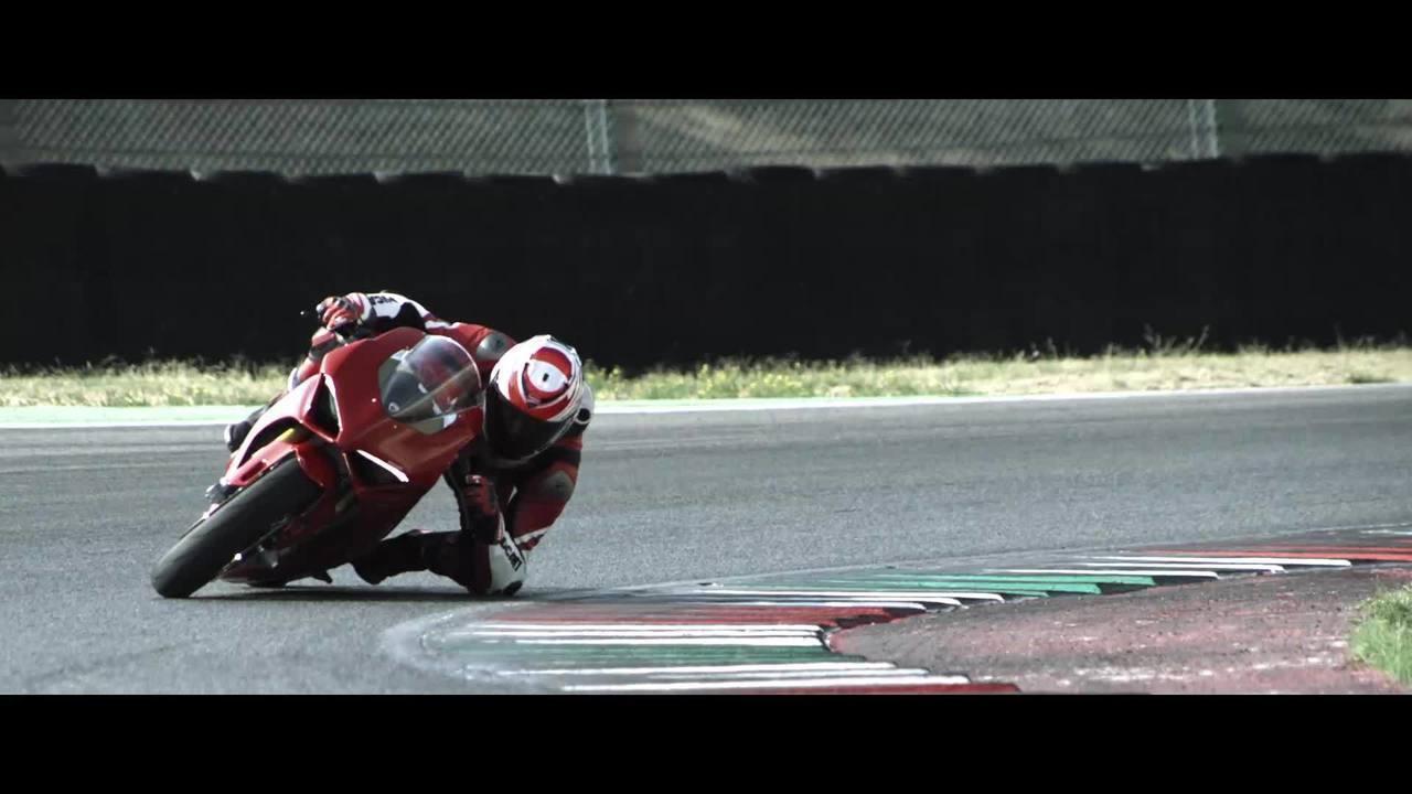 Ducati lança moto derivada da MotoGP para as ruas, a Panigale V4