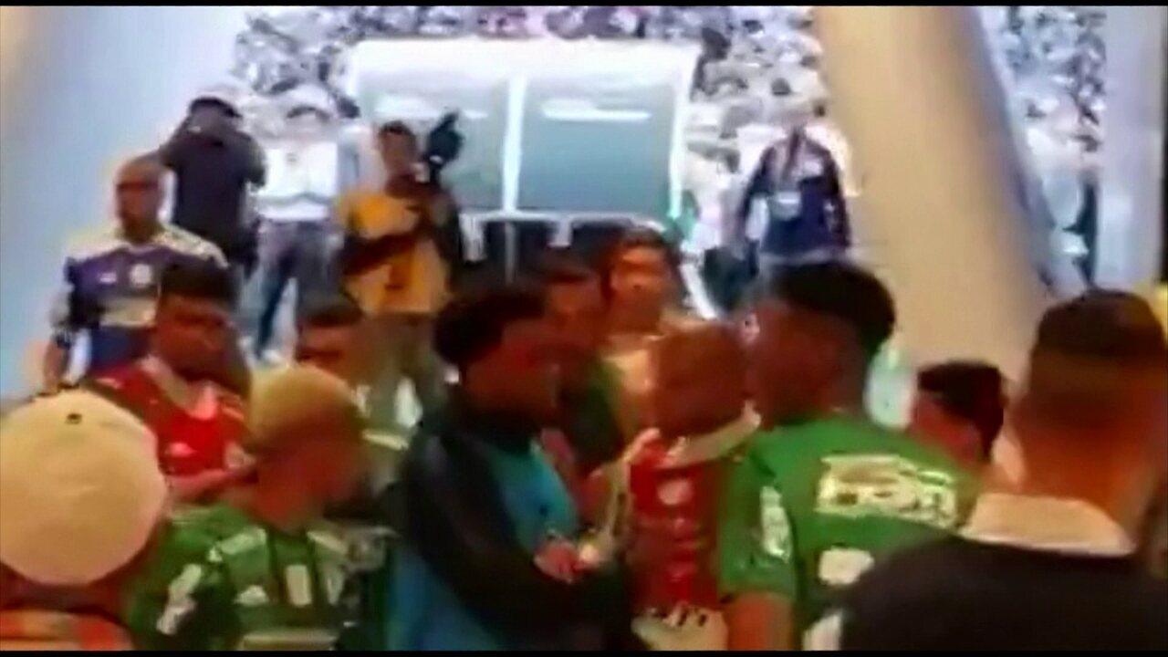 André Hernan dá versão de Felipe Melo para confusão com Clayson, do Corinthians