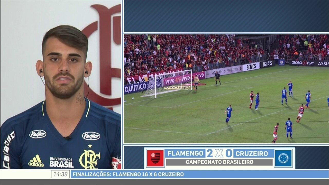 Felipe Vizeu diz que atletas do Flamengo saem exaustos de campo devido à raça e dedicação