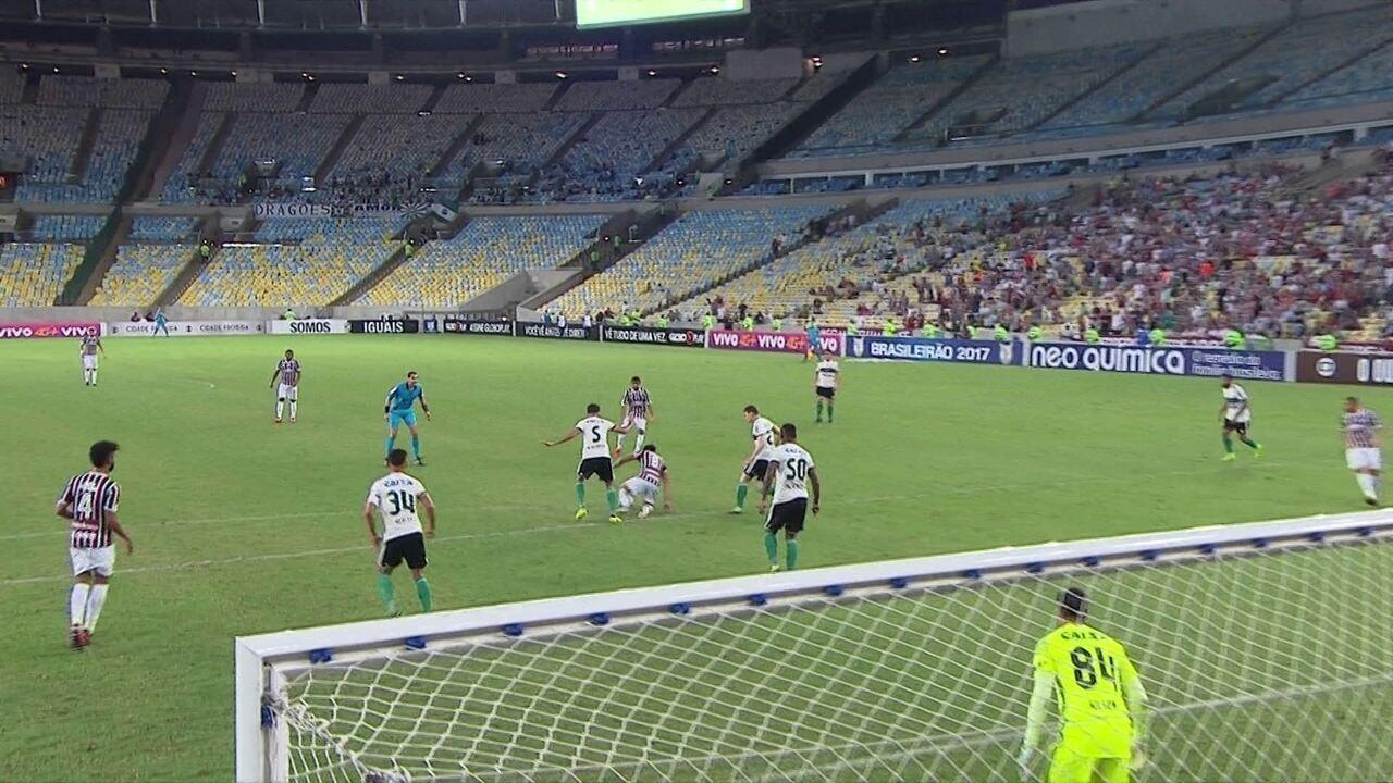 Melhores momentos de Fluminense 2 x 2 Coritiba pela 33ª rodada do Campeonato Brasileiro