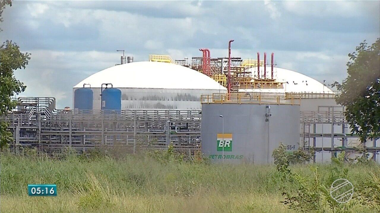 Justiça decreta bloqueio de R$ 155 milhões em bens de ex-dirigentes da Petrobras e empresa