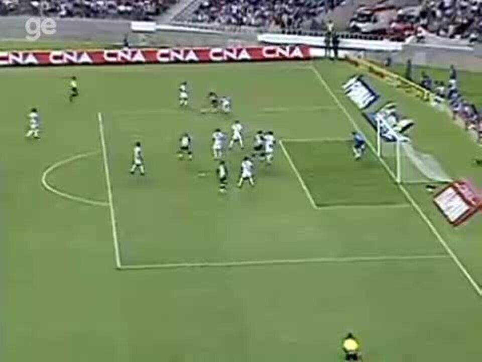 Em 2009, Maicosuel fez golaço contra o Vasco pela Taça Rio