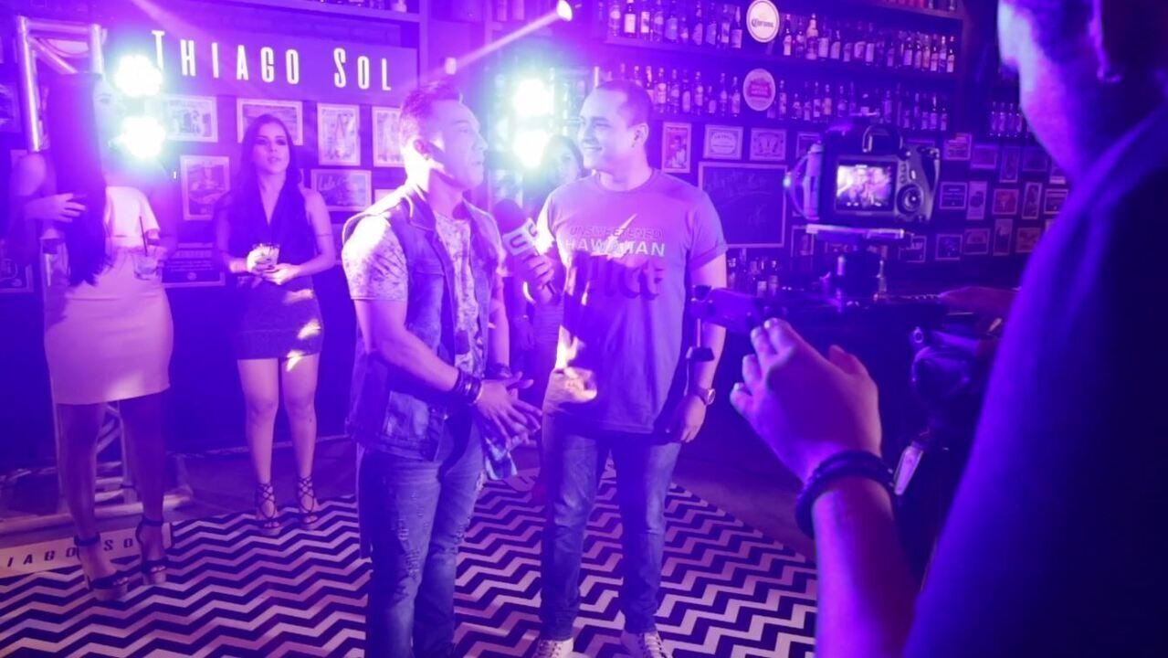 Confira os bastidores da gravação do novo clipe do cantor Thiago Sol