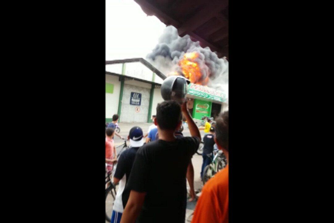 Resultado de imagem para Incêndio destrói loja no centro comercial de Castanhal, no Pará
