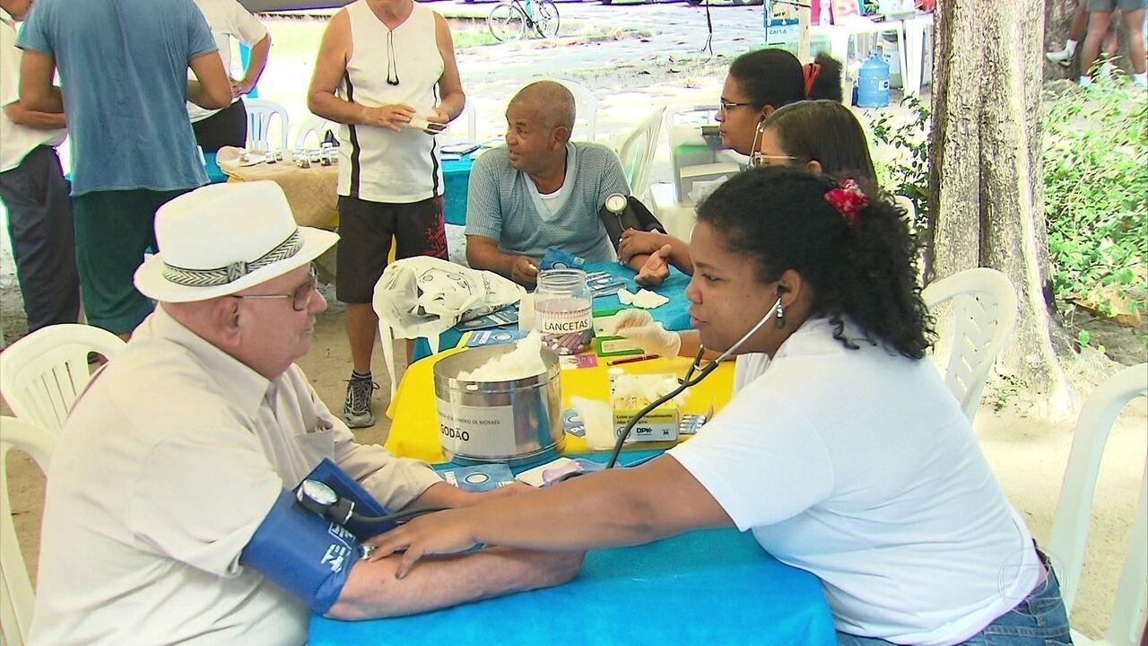 População recebe orientações sobre o diabetes no Parque 13 de Maio