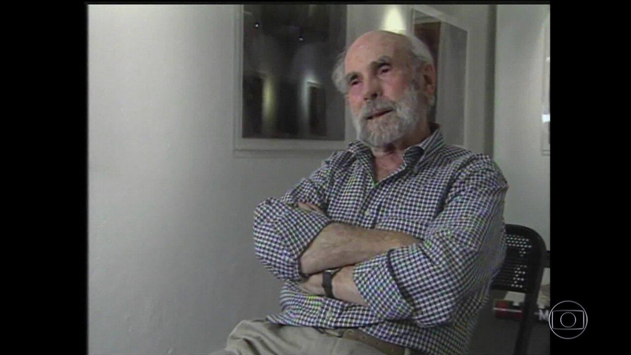 Morre o escultor, pintor, gravurista e fotógrafo Frans Krajcberg