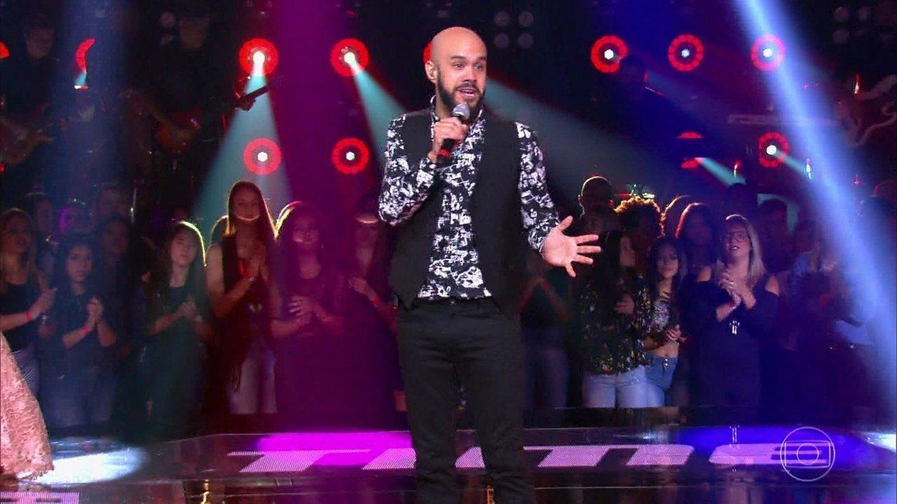 Juliano Barreto canta