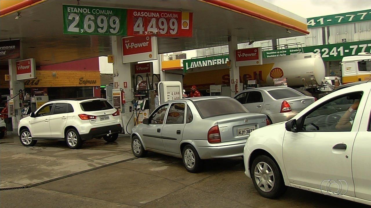 Após ordem judicial, alguns postos reduzem o preço do etanol em Goiânia