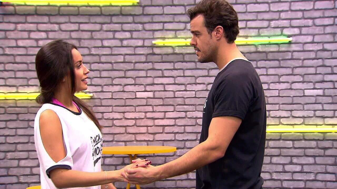 Joaquim Lopes ensaia com a professora Tatiana Scarletti