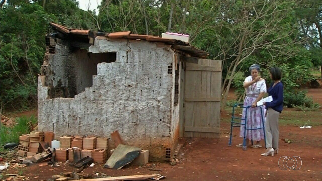 Terreiro de candomblé é depredado e incendiado em Luziânia