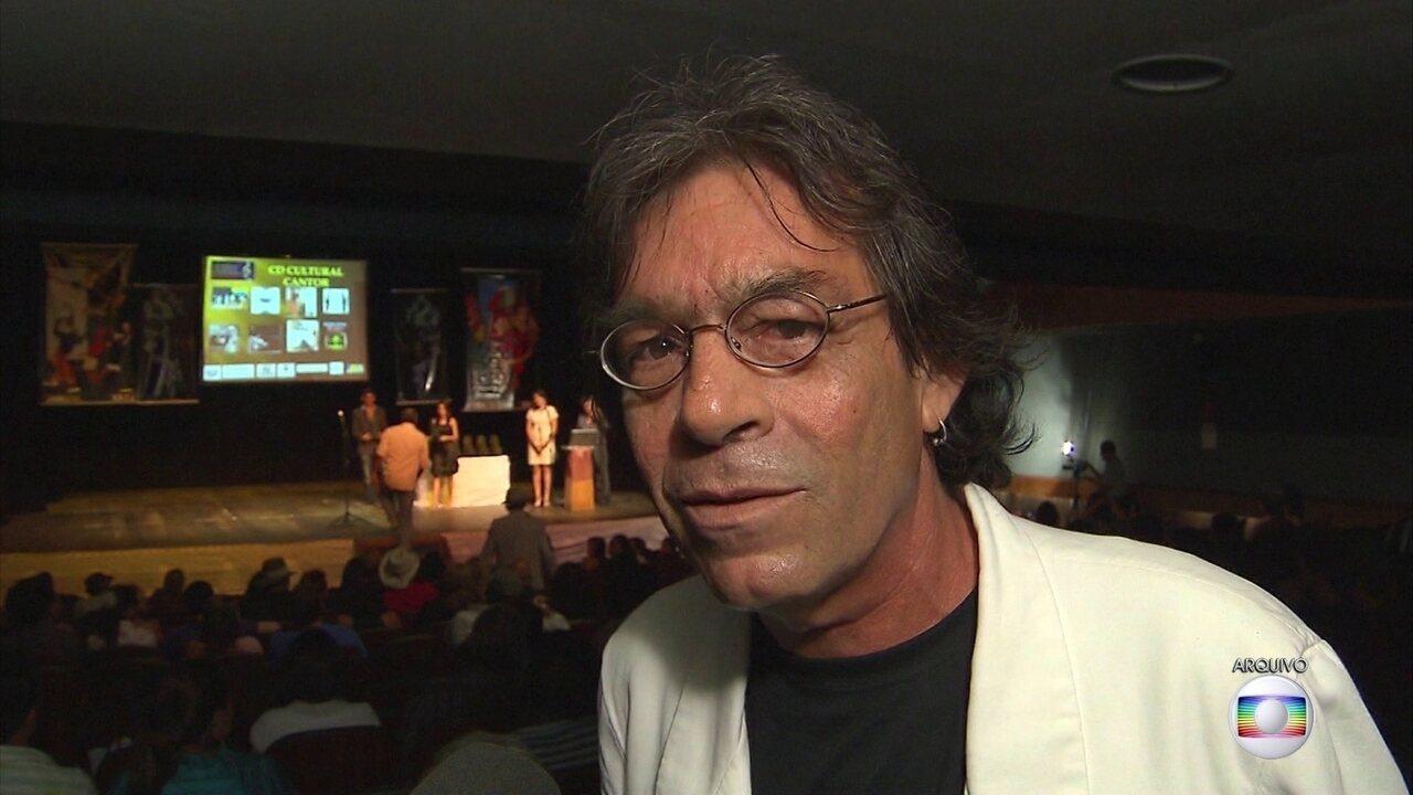 Cantor e compositor Tito Lívio morre de enfarte aos 60 anos