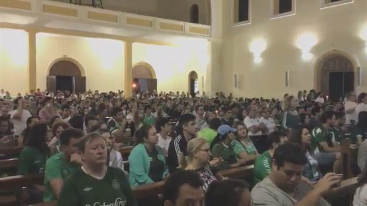 Procissão chega à Catedral de Santo Antônio para missa conclusiva