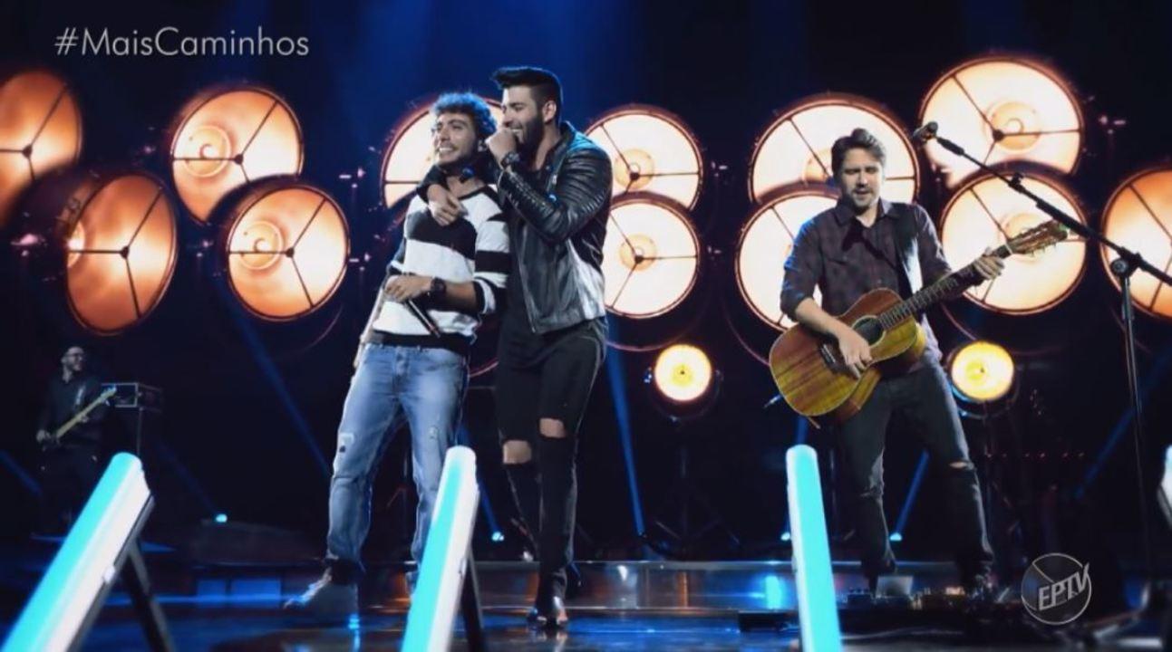 Bruninho e Davi cantam no Mais Caminhos