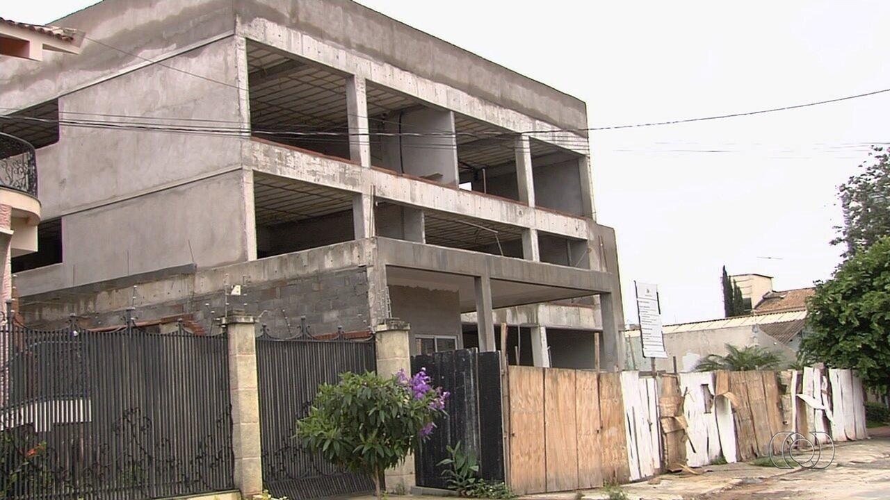 Prefeitura inicia blitz para fiscalizar construção de 'puxadinhos', em Goiânia