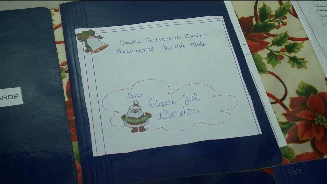 Cartinhas do Papai Noel dos Correios, em Patos, aguardam adoção