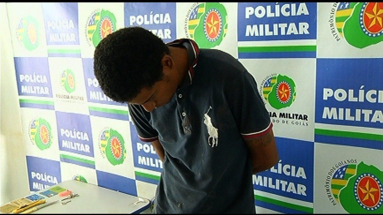 Passageiro suspeito de matar taxista é preso após esquecer documentos no carro da vítima