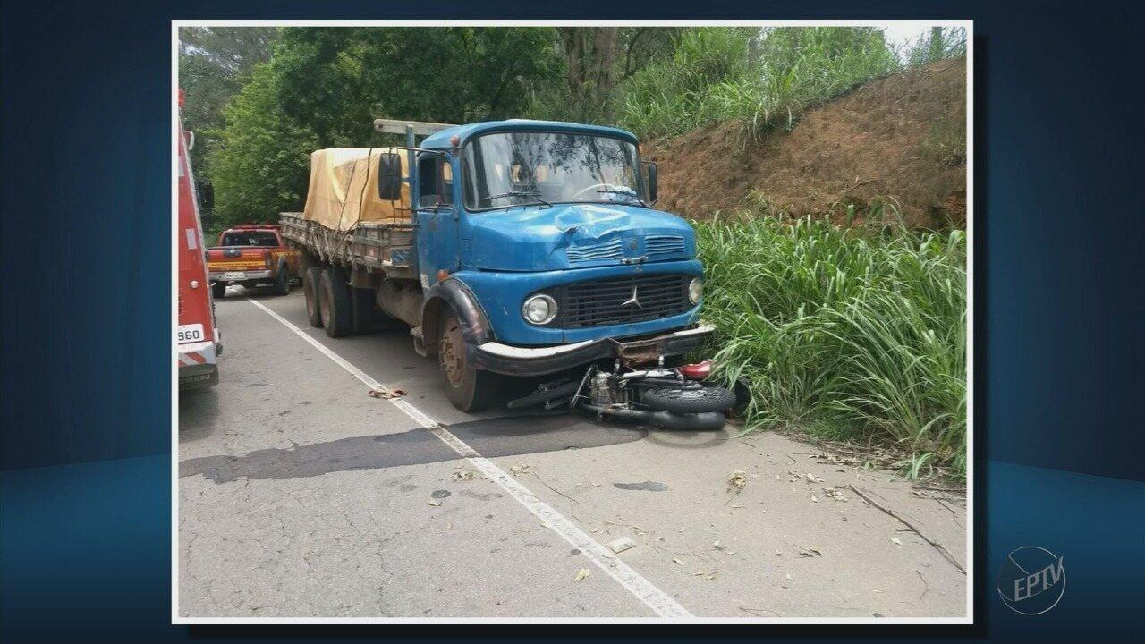 Motociclista morre após bater de frente com caminhão na BR-491