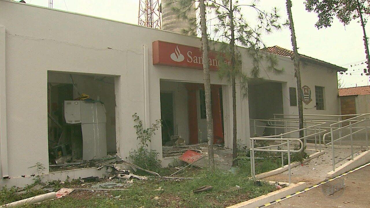 Quadrilha explode agência bancária em Guatapará, SP
