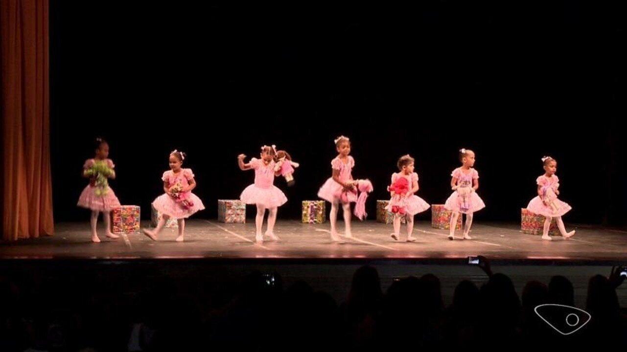 Comunidade arrecada fundos para espetáculo de balé, no ES